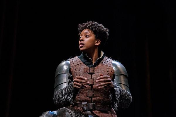 A Broadway, une actrice noire incarne le rôle de sainte Jeanne d'Arc