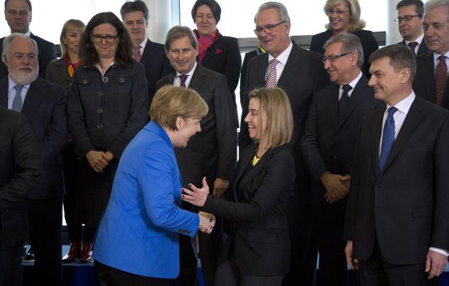 Face à Donald Trump, Angela Merkel et Federica Mogherini font de L'Union européenne le dernier bastion du mondialisme