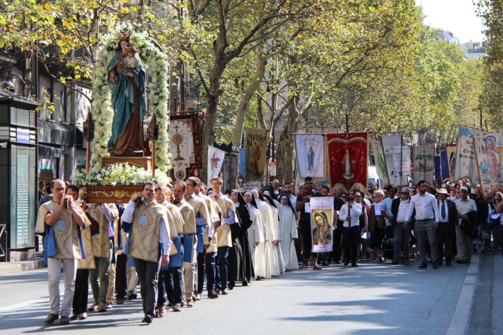 Procession du 15 août 2018 dans les rues de Paris