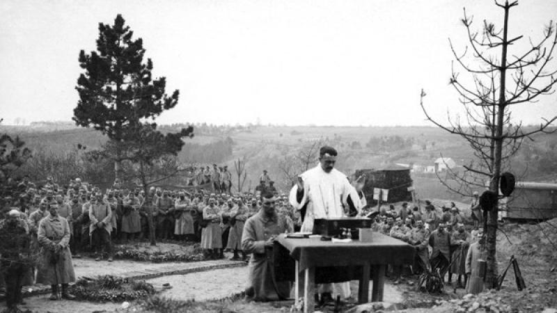 1914-1918: les prêtres portent le Christ dans les tranchées et se dressent contre les sentences maçonniques