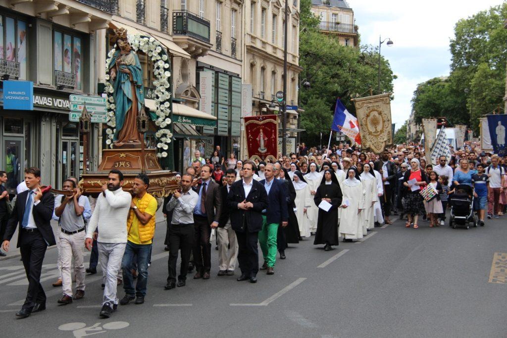 Reportage à la procession du 15 août 2019 dans les rues de Paris