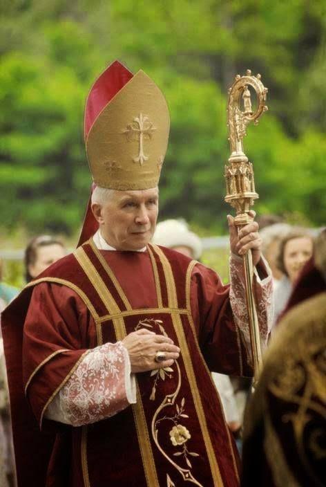 Mgr Lefebvre, les élections municipales et la France catholique