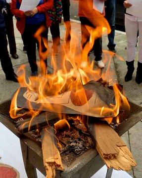 Au Mexique, un prêtre brûle des effigies de Pachamama en réparation du synode pour l'Amazonie
