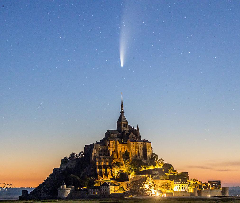 L'archange Saint-Michel et la comète