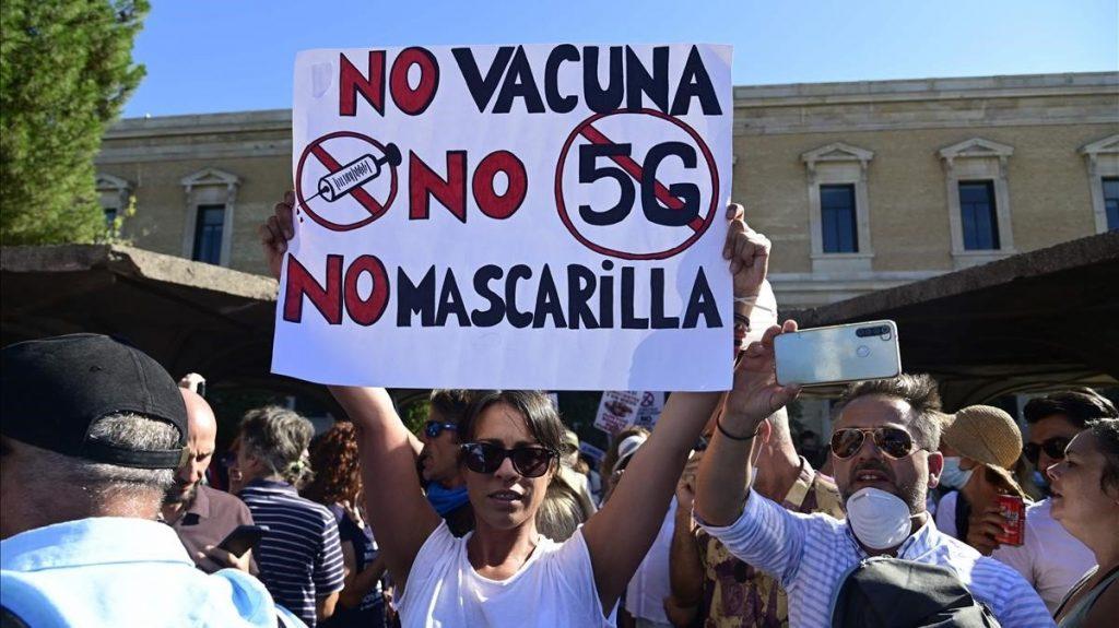Madrid manifeste contre la vaccination obligatoire et le Nouvel Ordre Mondial