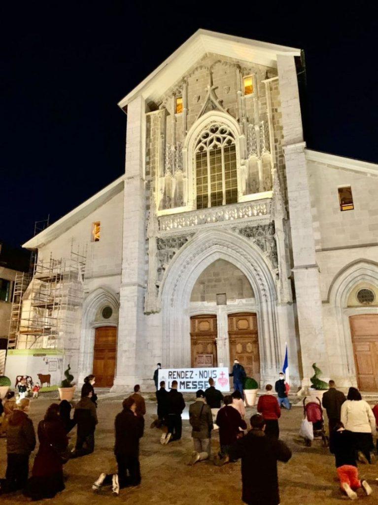 De Lyon à Chambéry, avec Civitas pour la Messe
