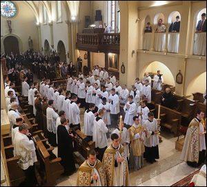 20 séminaristes ont revêtu la soutane au séminaire Saint-Curé-d'Ars de Flavigny