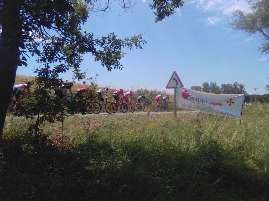 Civitas s'invite sur le Tour de France pour dénoncer la dictature sanitaire
