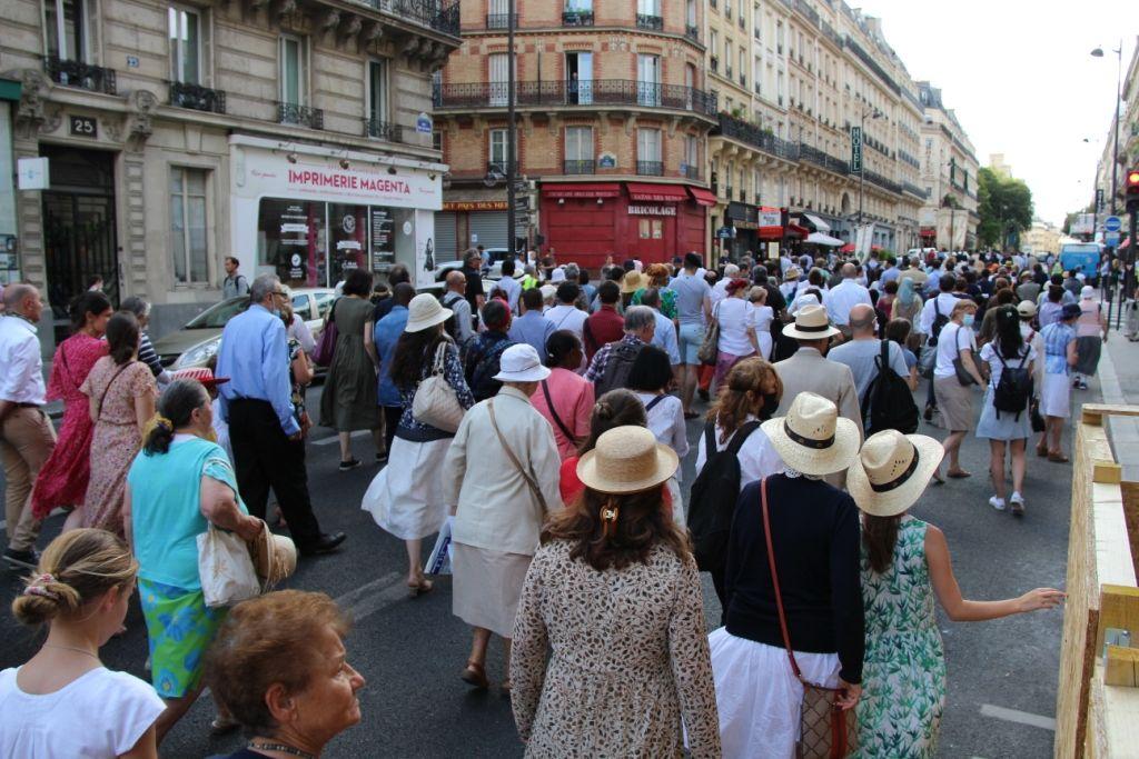 Reportage au sein de la procession du 15 août 2021 dans les rues de Paris
