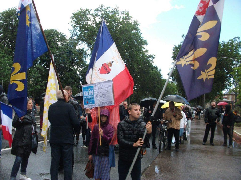 Malgré la pluie, l'opposition à la dictature sanitaire se fait entendre à Amiens