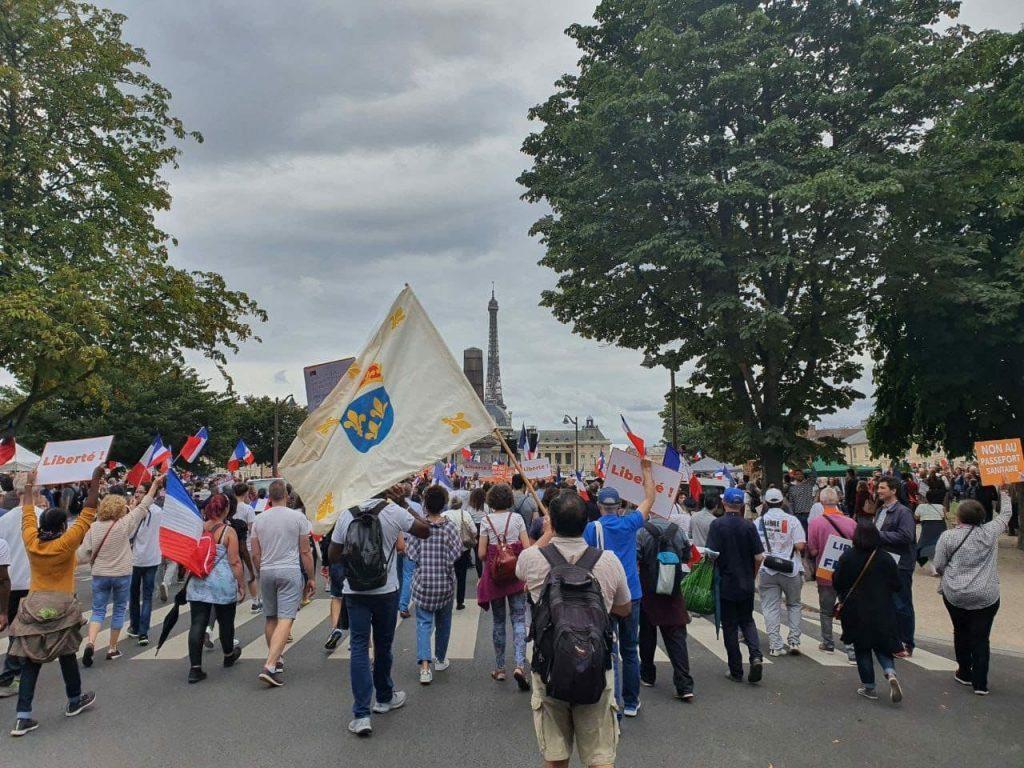 De Rouen à Carcassonne, de Compiègne à Caen, de Paris à Angers, unis contre la dictature sanitaire