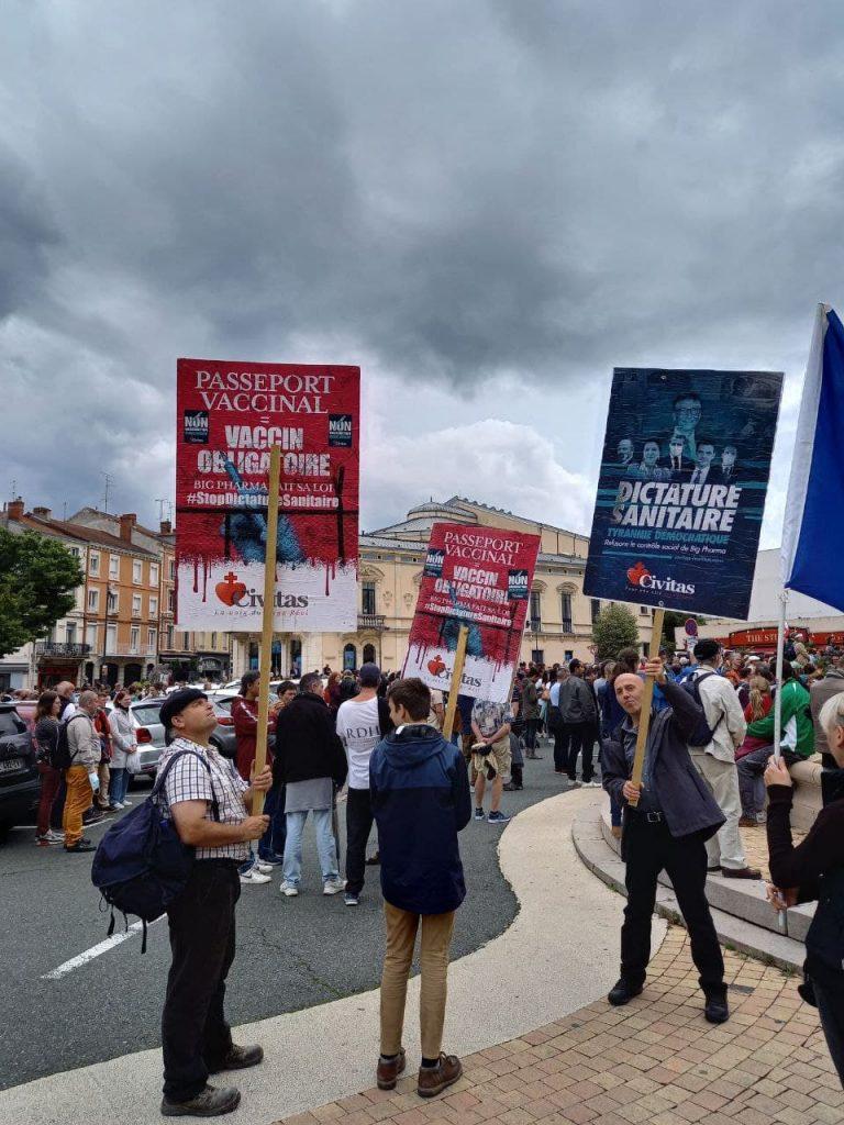 A Roanne aussi, on marche contre la dictature sanitaire et le pass de la honte