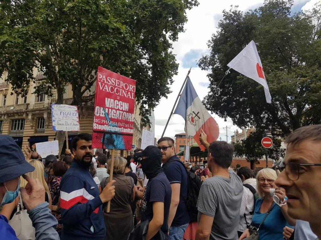 Civitas très impliqué dans les manifestations de ce 24 juillet contre la dictature sanitaire