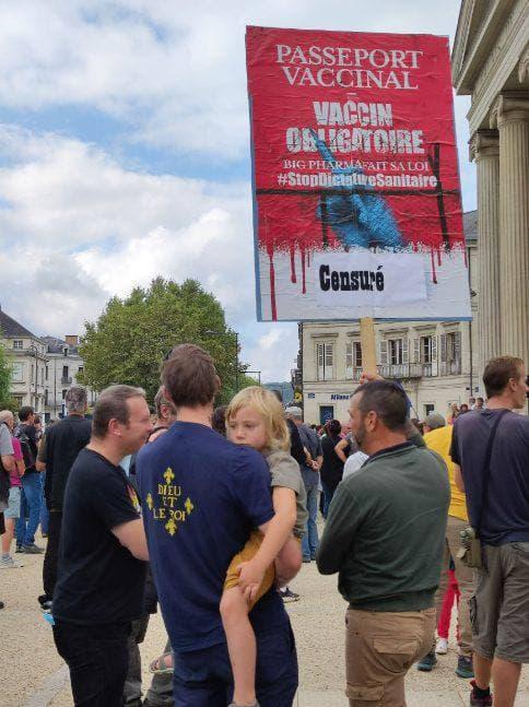 """Périgueux contre la dictature sanitaire, avec Civitas """"censuré"""" mais en force"""